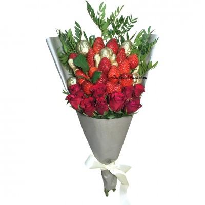 Букеты с клубникой и цветами