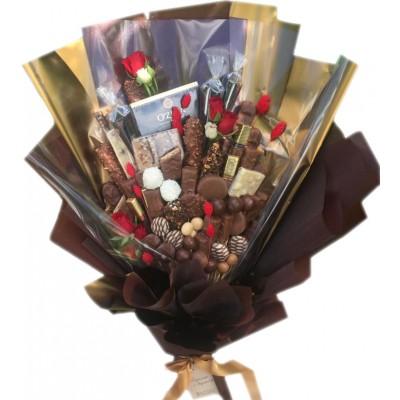 Красивый букет из конфет